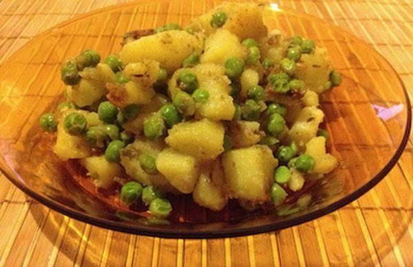 Картофи с грах - здравословно ястие | HealthLife